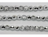 60 perles verre facettes demi-argent 4mm