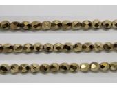 30 perles verre facettes dore 6mm