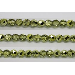 30 perles verre facettes olivine demi metalise 8mm