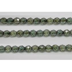 60 perles verre facettes poudre vert 4mm