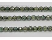 60 perles verre facettes poudre vert 5mm