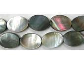 Ovale plat Nacre grise 'BLACK LIP' 18x13